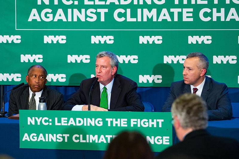 New York veut déclarer la guerre aux compagnies pétrolières — Réchauffement climatique