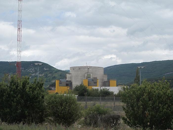 Il y a quarante ans, l'Etat tuait Vital Michalon, jeune antinucléaire ! Par  Lorène Lavocat (Reporterre)                     Img_3378