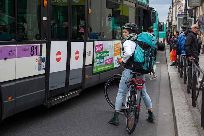 Mobilité ? Cyclistes et chauffeurs racontent leur vécu dans les rues de Paris