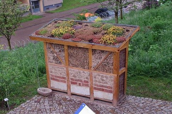 Des Hotels A Insectes L Idee Pour Preserver Les Ecosystemes Des Jardins