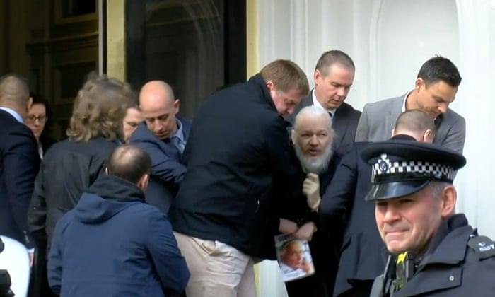 """«<small class=""""fine""""></small>Si Julian Assange n'est pas protégé, cela marquera la fin des libertés individuelles<small class=""""fine""""></small>»"""