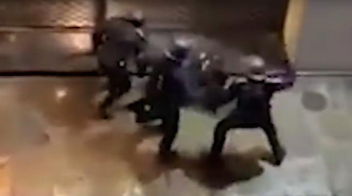 Face aux Gilets jaunes, l'escalade des violences policières