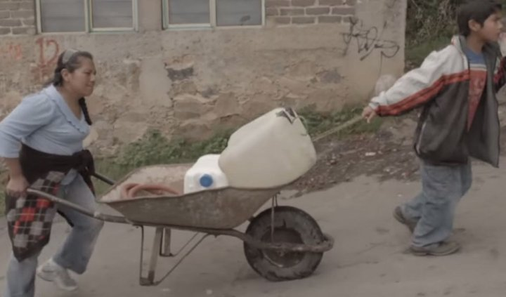 Au Mexique, la population manque d'eau potable mais Coca-Cola prospère