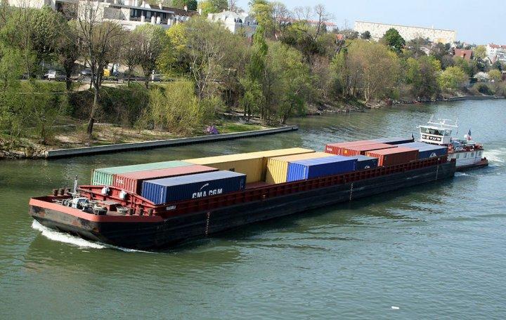 L'État coule le transport fluvial