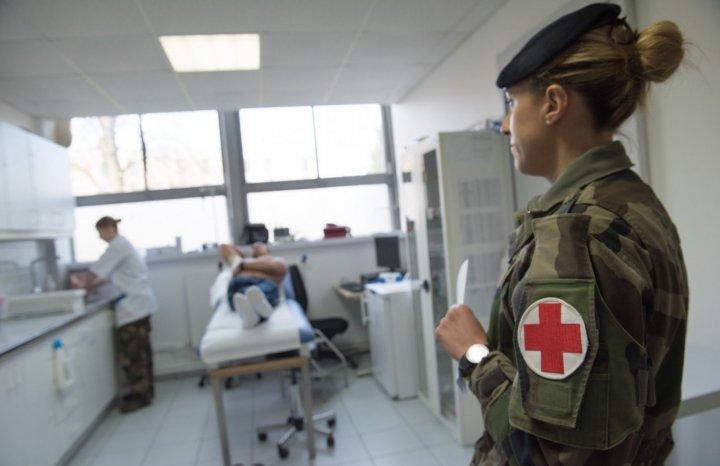 Face au coronavirus, le gouvernement prépare le recours à l'armée