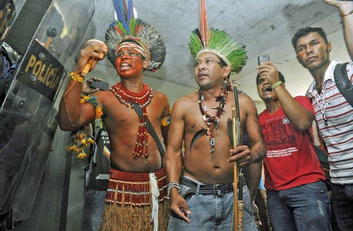 Dans le Brésil de Bolsonaro, indigènes et écologistes payent le prix du sang