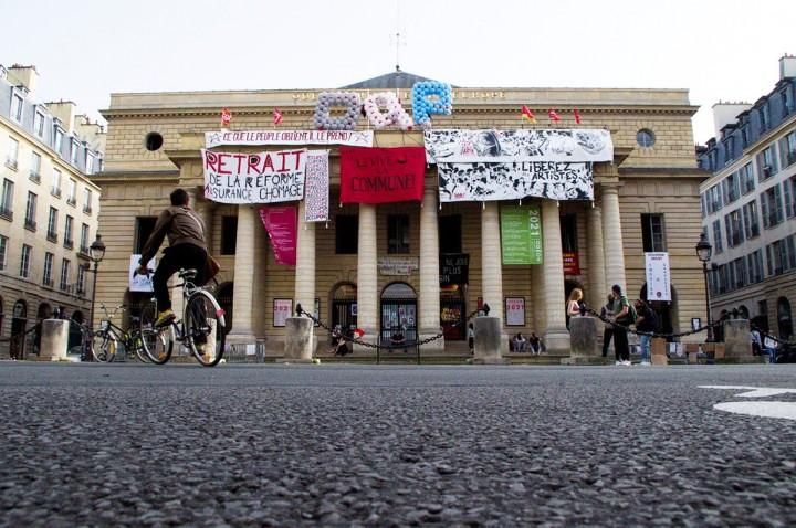 Les occupants du théâtre de l'Odéon se battent pour tous les précaires
