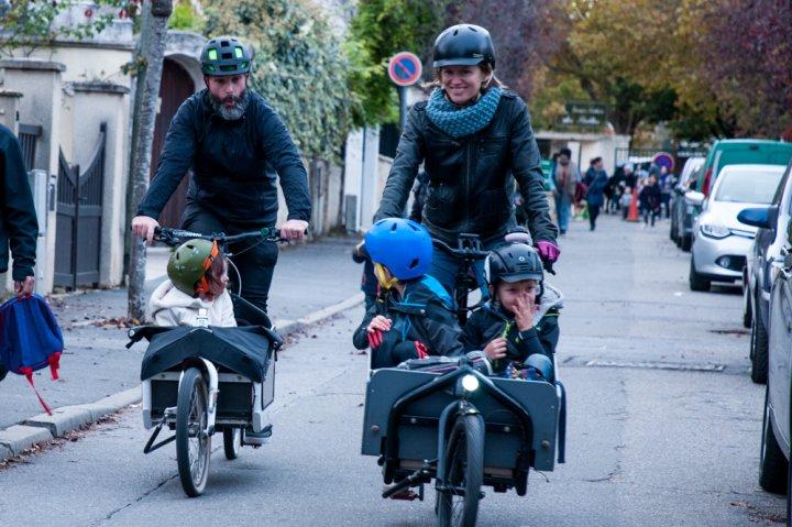 Ils roulent à vélo cargo et en sont très heureux