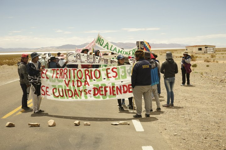 Barrages routiers en Argentine contre l'exploitation du lithium