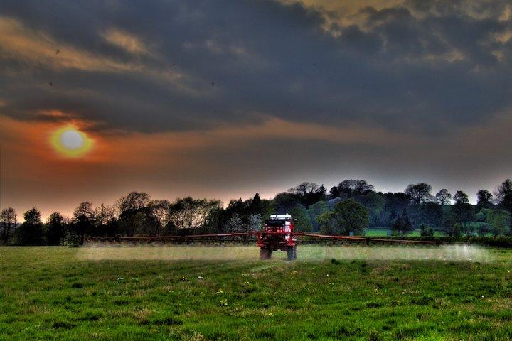 """«<small class=""""fine""""></small>Les pesticides présentent des risques avérés pour les riverains<small class=""""fine""""></small>»"""