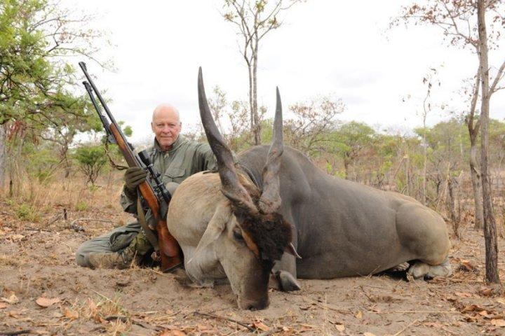 """Le <span class=""""caps"""">WWF</span> accusé de protéger les chasseurs de trophées en Afrique"""