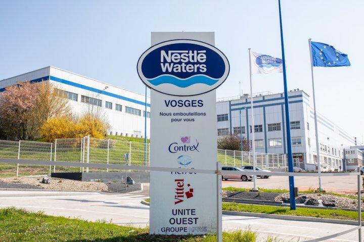 À Vittel, Nestlé contrôle l'eau, la politique etlesesprits
