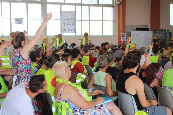 À Montceau-les-Mines, les Gilets jaunes prouvent qu'ils ne lâchent rien