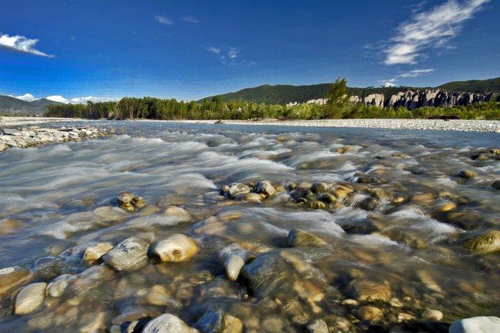 La Durance, une rivière asséchée par les barrages et le dérèglement climatique