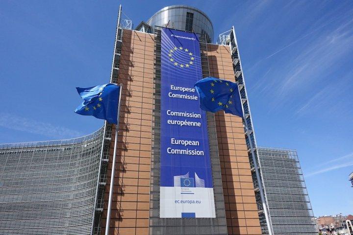 """Réforme de la <span class=""""caps"""">PAC</span>: La Commission européenne s'entête dans l'agriculture productiviste et connectée"""