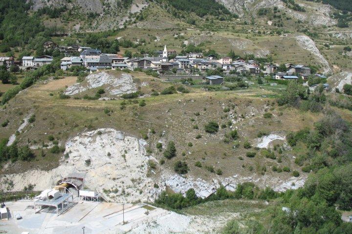 Les tunnels du Lyon-Turin, une catastrophe pour les sources d'eau