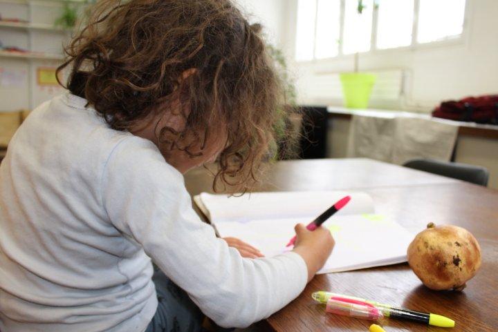 Une école sans note, sans programme, sans leçon, et qui réussit, ça marche