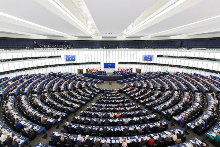 """Le <span class=""""caps"""">CETA</span> pourrait être examiné en urgence au Parlement européen"""