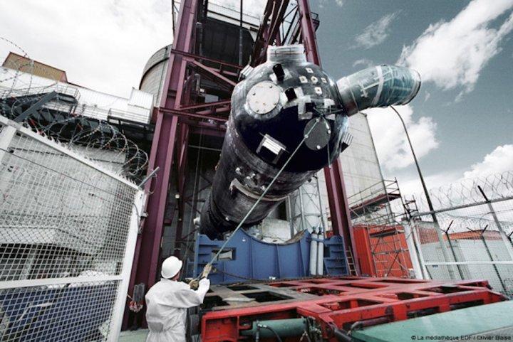 Sept réacteurs nucléaires autorisés à redémarrer, malgré un défaut dans leur acier