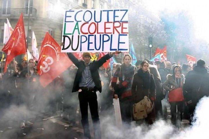 La popularité de Macron et Philippe se redresse — Sondage