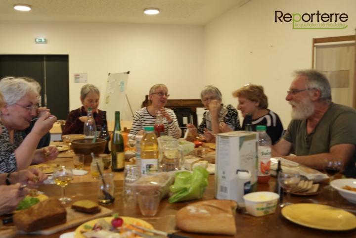 """<span class=""""caps"""">VID</span>ÉO - Des retraités créent un habitat collectif pour bien vieillir ensemble"""