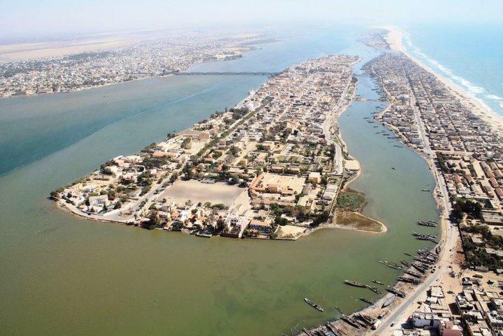 L'Atlantique engloutit Saint-Louis du Sénégal et sesquartiers depêcheurs