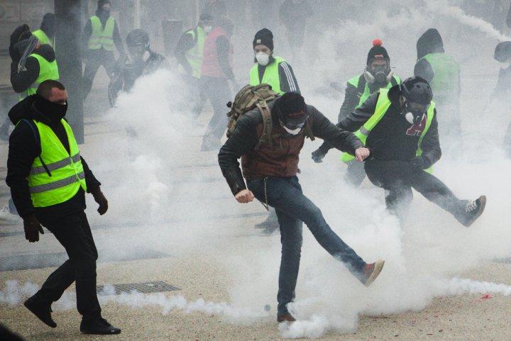 TRIBUNE LIBRE : La loi « anti-casseurs » prépare la criminalisation des manifestants ! Par Marie Astier (Reporterre) Arton16507-016ef