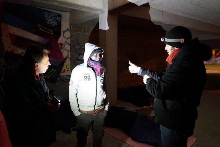Dans le Calvados, des habitants aident les migrants abandonnés par les autorités