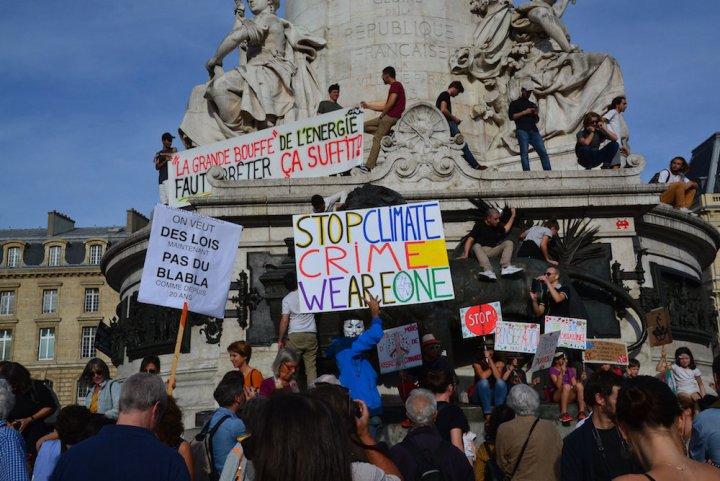 """Qui manifeste pour le climat<small class=""""fine d-inline""""></small>? Des sociologues répondent"""