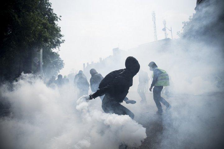 L'utilisation massive de gaz lacrymogènes inquiète les scientifiques du monde entier