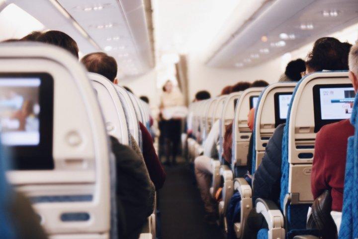 """Seuls 4<small class=""""fine d-inline""""></small>% des Français prennent l'avion régulièrement"""