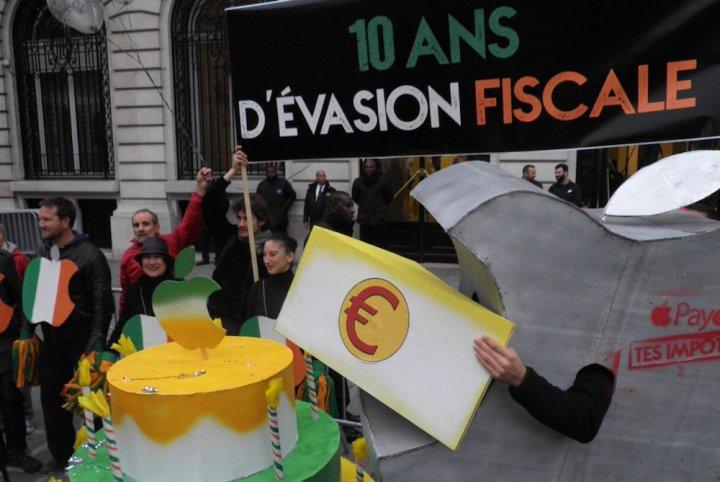 Apple passe à l'Attac (photos) — Evasion fiscale